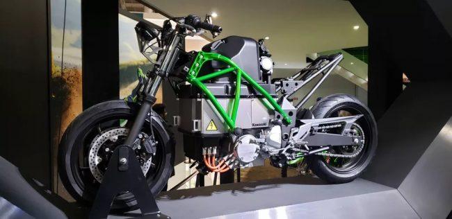 Kawasaki desenvolve 1ª Ninja elétrica com câmbio manual